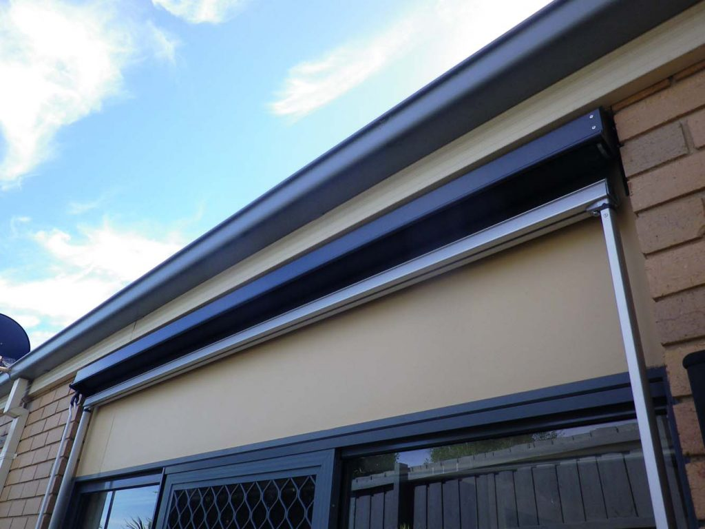DROP-ARM-AWNING-5