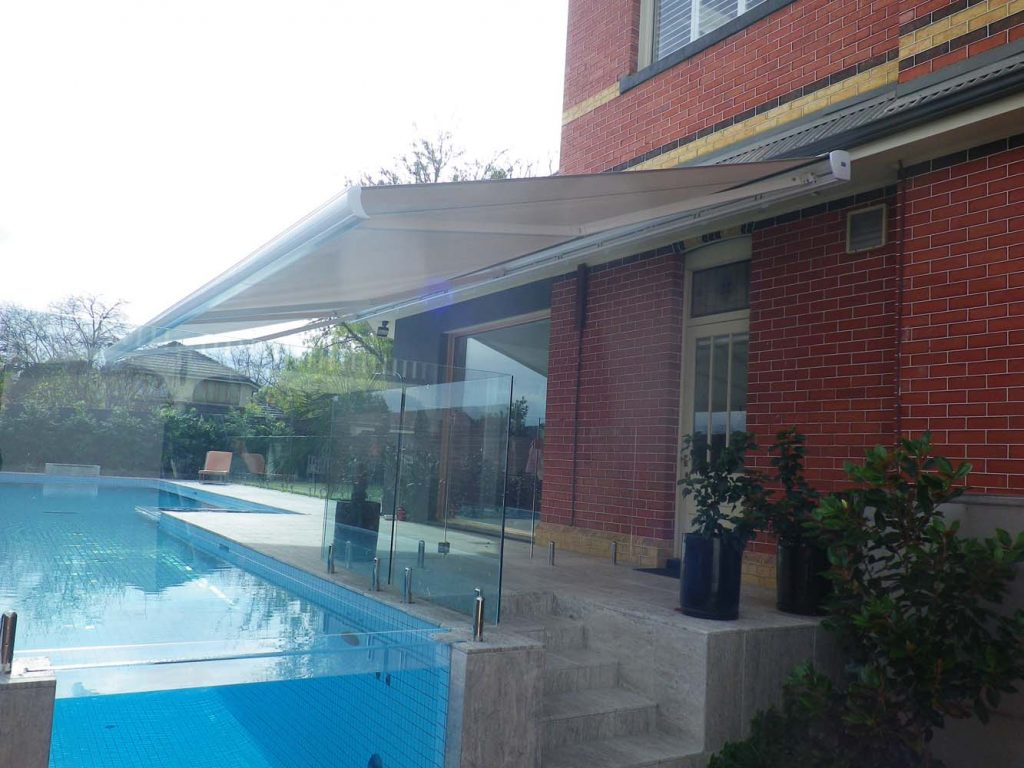 RETRACTABLE-AWNING-14
