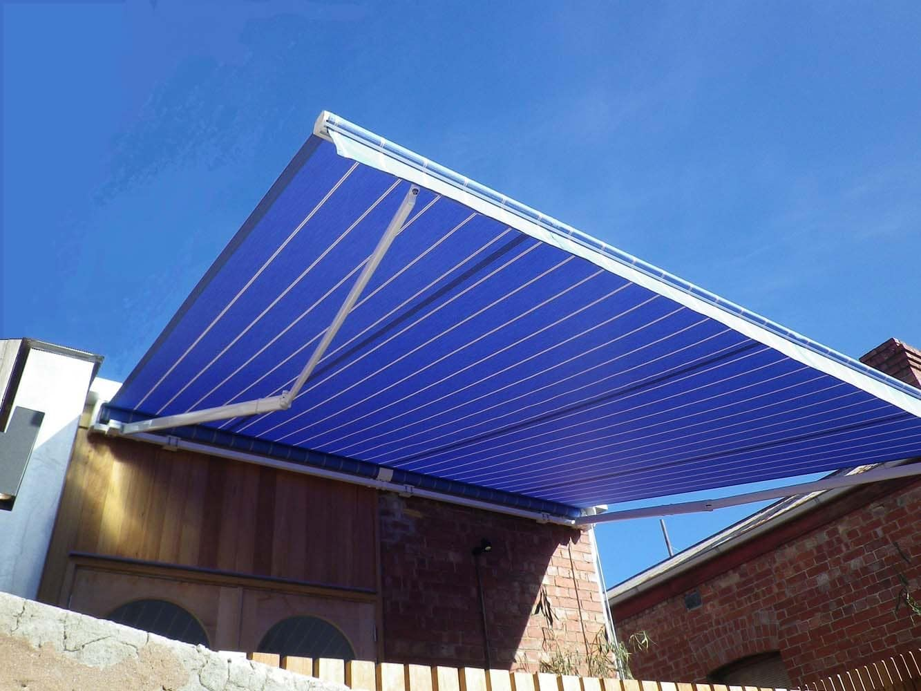 RETRACTABLE AWNING (9)