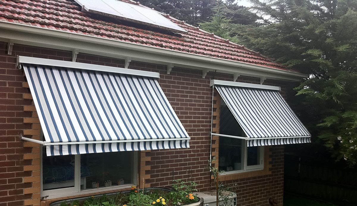 DROP ARM AWNING 2