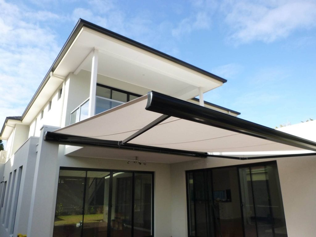 RETRACTABLE-AWNING-5-1